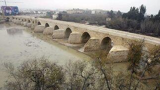 Icomos aprueba el proyecto del Puente salvo en el pavimento