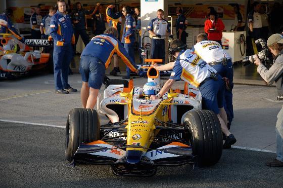 Las escuderías se ponen a punto en Jerez