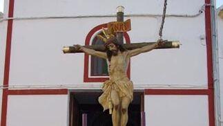 Un Cristo portado por mujeres en Lora de Estepa