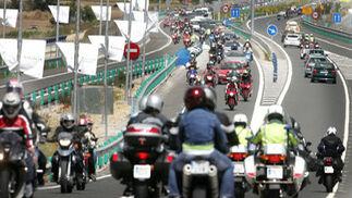 La A-382 presentó una gran afluencia de motocicletas, tanto en dirección al Circuito como a Jerez.  Foto: Pascual