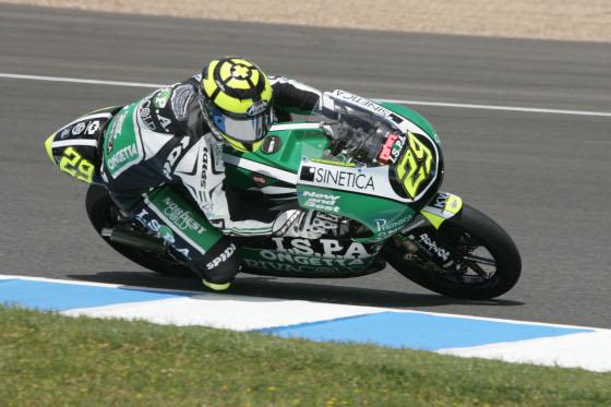 Andrea Iannone, del Ongetta Team marcó el tercer mejor tiempo en 125 cc.  Foto: Jesús Marín