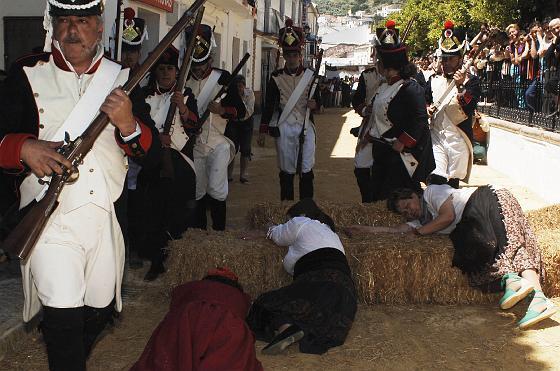 Algodonales vive una jornada de fiesta con la recreación histórica de los sucesos del 2 de mayo.  Foto: Ramon Aguilar