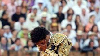 Tejela aturdido tras el golpe del astado.  Foto: Juan Carlos Muñoz