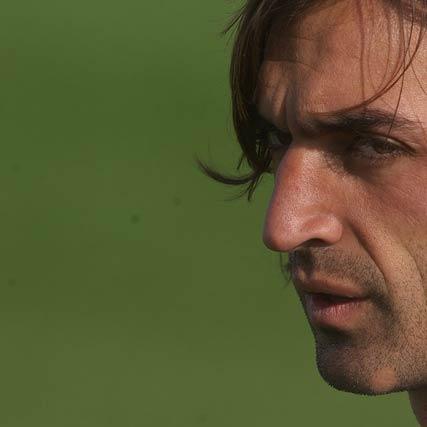 Javi Navarro durante un entrenamiento en la ciudad deportiva del Sevilla.  Foto: Manuel Gómez