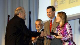 La Princesa de Asturias, Doña Letizia Ortiz, hacía entrega del Premios Nacionales de Diseño a la industria vasca Stua.  Foto: D.C.