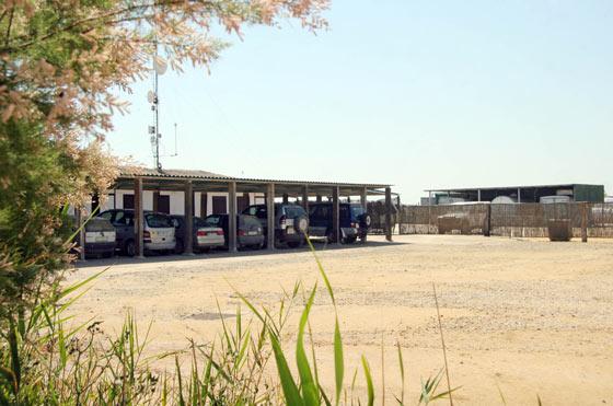 Aparcamientos de las instalaciones en Veta La Mayor.  Foto: Belén Vargas