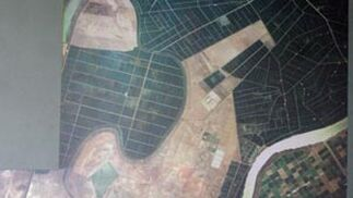 Situación de la piscifactoría vista desde un satélite.  Foto: Belén Vargas