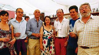 De izquierda a derecha, María Fernández Lizaso, Pepe Mendoza, Antonio Ahucha, Teresa Almendros, Manolo Morillo, Juan Clavero y Eduardo Albadalejo   Foto: Fito Carreto
