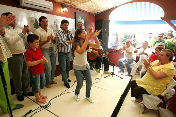 Ambiente flamenco de primera, en la caseta de la peña flamenca La Bulería.  Foto: Vanesa Lobo/Pascual