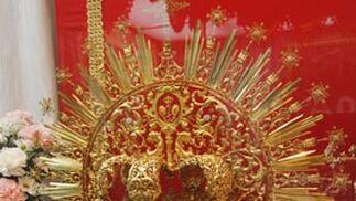 Corona de oro realizada en el año 1984.  Foto: Victoria Hildago