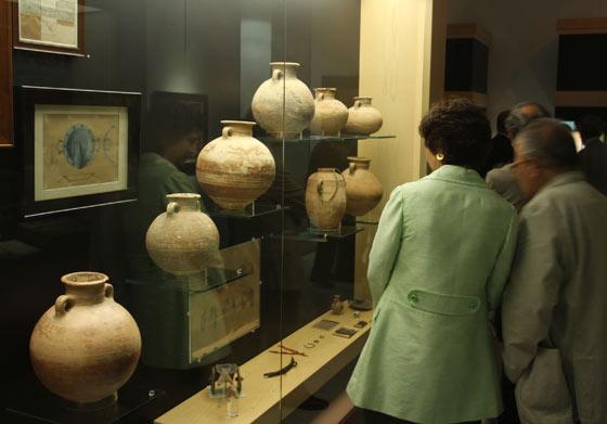 Algunas vasijas que se exponen.  Foto: José Ángel García