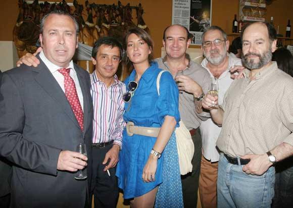 Benjamín Sánchez, junto a Blas Frontán, de Banco Popular; Rodrigo Báez, Antonio González y Andrés Sánchez, asesor de la firma Fremap.  Foto: Vanessa Lobo