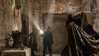 Robert Langdon (Tom Hanks) y Vittoria Vetra (Ayelet Zurer).  Foto: Sony Pictures