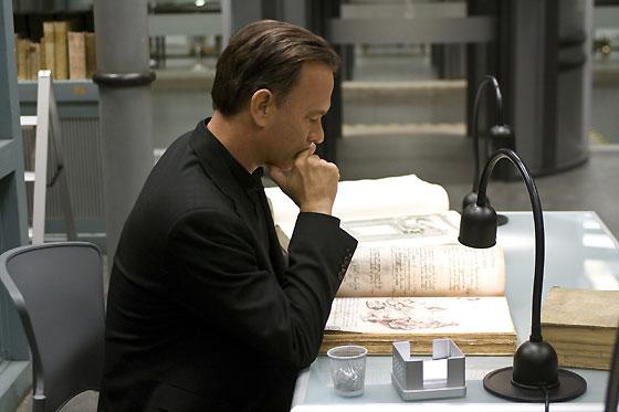 Robert Langdon (Tom Hanks) investiga.  Foto: Sony Pictures