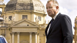 Stellan Skarsgård interpreta al férreo comandante Richter, jefe de la Guardia Suiza del Vaticano.  Foto: Sony Pictures