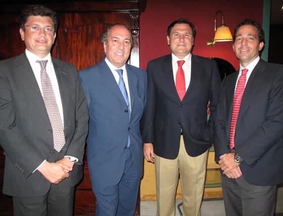 Andrés Gurrero (Hisparroz); Juan Reguera, director territorial de La Caixa; Felipe Murillo, y Luis Contreras (Hisparroz).  Foto: Victoria Ramírez