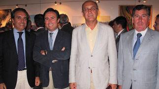 Ramón Ybarra, Ricardo Pumar, presidente de Inmosur; Manuel Marchena, consejero delegado de Emasesa y Miguel Gallego, presidente de Migasa.  Foto: Victoria Ramírez