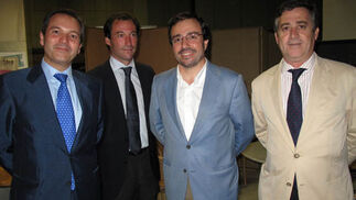 Antonio Villafuerte (Instituto San Telmo) con Juan Peña López-Pazo, Arturo Coloma Pérez y Javier Bustamante, de Detea.  Foto: Victoria Ramírez