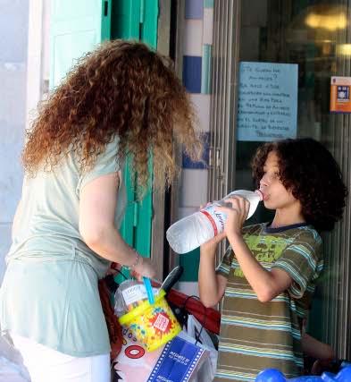 Incluso los dias de bochorno debemos prestar atención a nuestra temperatura corporal y tomar abundantes líquidos.