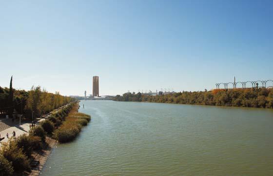 Imagen virtual de la Torre Cajasol desde el Puente de la Barqueta.