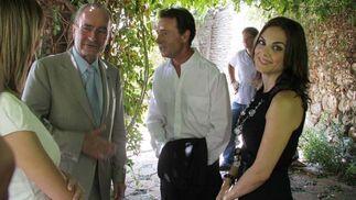 Los presentadores de los informativos Noticias 2 de Antena 3, Matías Prats y Mónica Carrillo junto con el Alcalde de Málaga, Frnacisco de la Torre. FOTO:Javier Albiñana