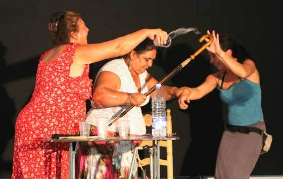 Tres mujeres del Vacie que protagonizan 'La casa de Bernarda Alba'  Foto: Victoria Hidalgo