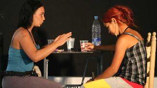 Las protagonistas actúan como verdaderas profesionales.  Foto: Victoria Hidalgo