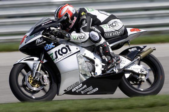 El piloto japonés Hiroshi Aoyama del Scot Racing Team, en acción durante el Gran Premio de Monoticlismo de Indianápolis.