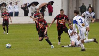 La sexta derrota consecutiva del Industrial le deja como farolillo del grupo IV de Segunda División.  Foto: lof