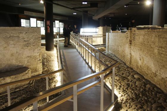 El nuevo Museo del Castillo de San Jorge cuenta con una pasarela interpretativa.  Foto: Victoria Hidalgo
