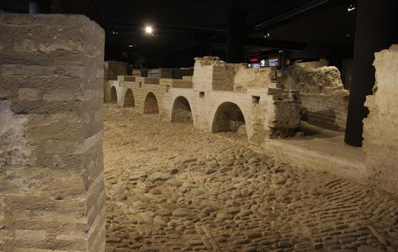 Uno de los espacios del Museo del Castillo de San Jorge, que fue sede del Tribunal de la Santa Inquisición entre los siglos XV y XVIII.    Foto: Victoria Hidalgo