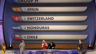 La pantalla muestra los componente del grupo de España.  Foto: Agencias