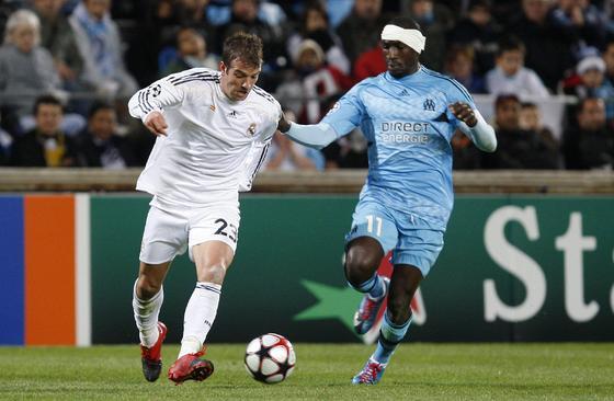 El Madrid vence en Marsella con dos goles de Cristiano Ronaldo y uno de Albiol. / EFE · AFP · Reuters
