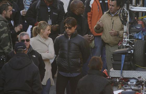 Tom Cruise y Cameron Diaz, protegidos del frío.  Foto: Antonio Pizarro