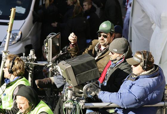 James Mangold, con gorra verde, durante el rodaje.  Foto: Antonio Pizarro