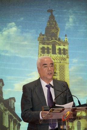 El consejero de Turismo, Comercio y Deporte de la Junta de Andalucía, Luciano Alonso, durante su intervención en la presentación de la LXV edición de la Vuelta Ciclista a España.  Foto: Agencias