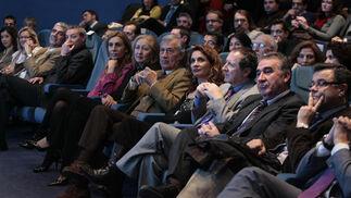 Algunos de los consejeros, en la imagen Fuensanta Coves y María Jesús Montero, entre otros, durante el acto.  Foto: Juan Carlos Muñoz