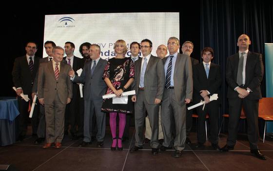 Foto de familia de los galardonados en los XXIV Premios Andalucía de Periodismo.  Foto: Juan Carlos Muñoz