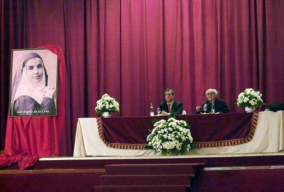 Conferencia de José María Javierre sobre Sor Ángela De La Cruz en el 2003.  Foto: José Martínez