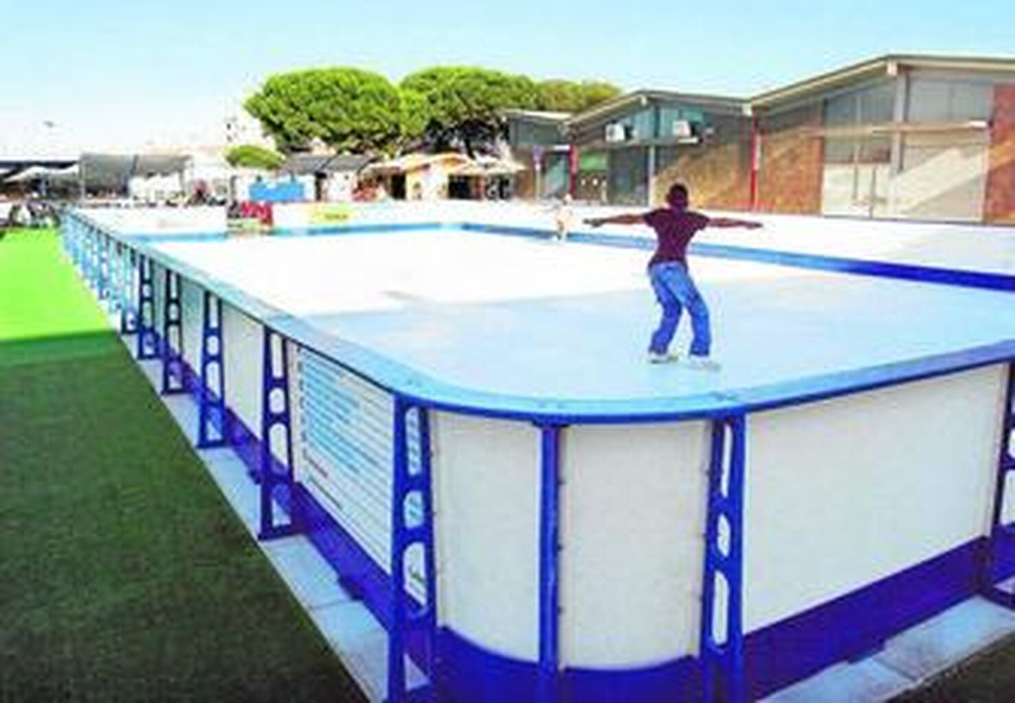 Una pista de patinaje sobre 'hielo ecológico' para después ...