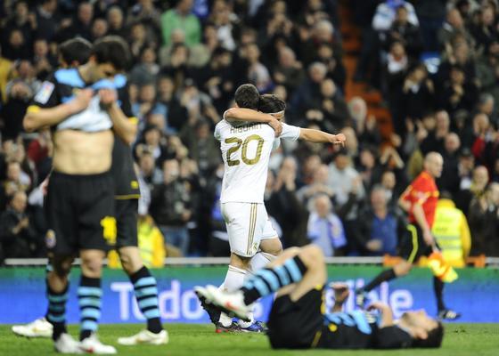 El Real Madrid golea de nuevo en el Bernabéu, esta vez el Espanyol (5-0). / AFP