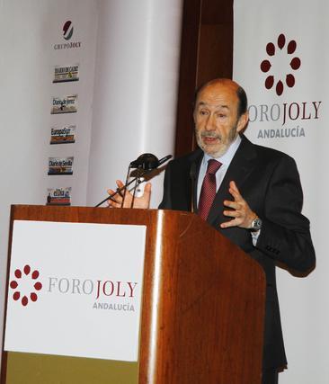 Rubalcaba presentando a José Antonio Griñán.  Foto: V. Hidalgo
