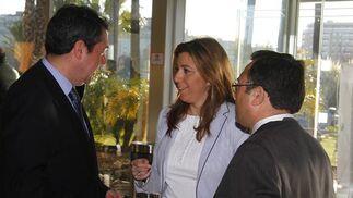 Los dirigentes socialistas Juan Espadas, Susana Díaz, y Miguel Ángel Heredia.  Foto: Juan Carlos Vazquez y Victoria Hidalgo