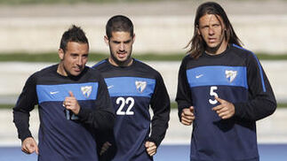 Cazorla, Isco y Demichelis  Foto: Sergio Camacho