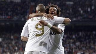 El Real Madrid golea en casa a la Real Sociedad y mantiene al Barça a seis puntos (5-1). / EFEEl Real Madrid golea en casa a la Real Sociedad y mantiene al Barça a seis puntos (5-1). /
