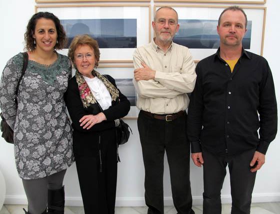 Ana Medina (Fundación Valentín de Madariaga), Rita Tovar y los fotógrafos Alejandro Sosa y Loren Montero.  Foto: Victoria Ramírez