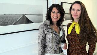 Reyes Rueda, cantante de RQR Jazz, y la arquitecto Myriam Hurtado, diseñadora de Myho.  Foto: Victoria Ramírez