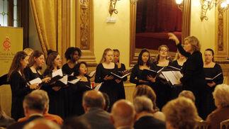 Música en el Círculo de la Amistad. El coro de cámara de jóvenes mujeres The Nightingale-Bamford School Chamber Chorus de Nueva York ofreció un concierto en el Círculo de la Amistad.  Foto: José Martínez