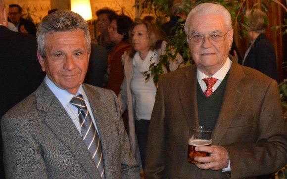 Enrique Huguet con Daniel Ruiz, tras finalizar el acto.  Foto: Ignacio Casas de Ciria