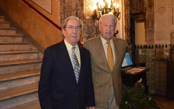 José Manuel Pérez Díaz-Alersi con Miguel Nuche.  Foto: Ignacio Casas de Ciria